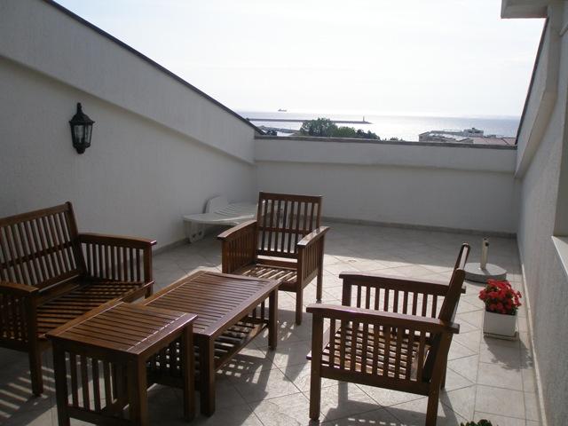 Квартира в центре в новом доме в Баре
