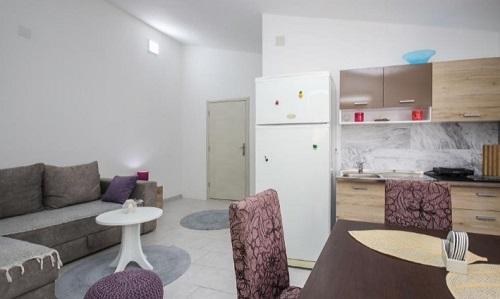 Трехкомнатный апартамент в Шушани